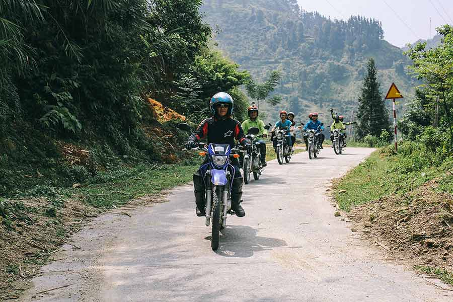 qt motorbike rental tours ha giang cao bang road 4