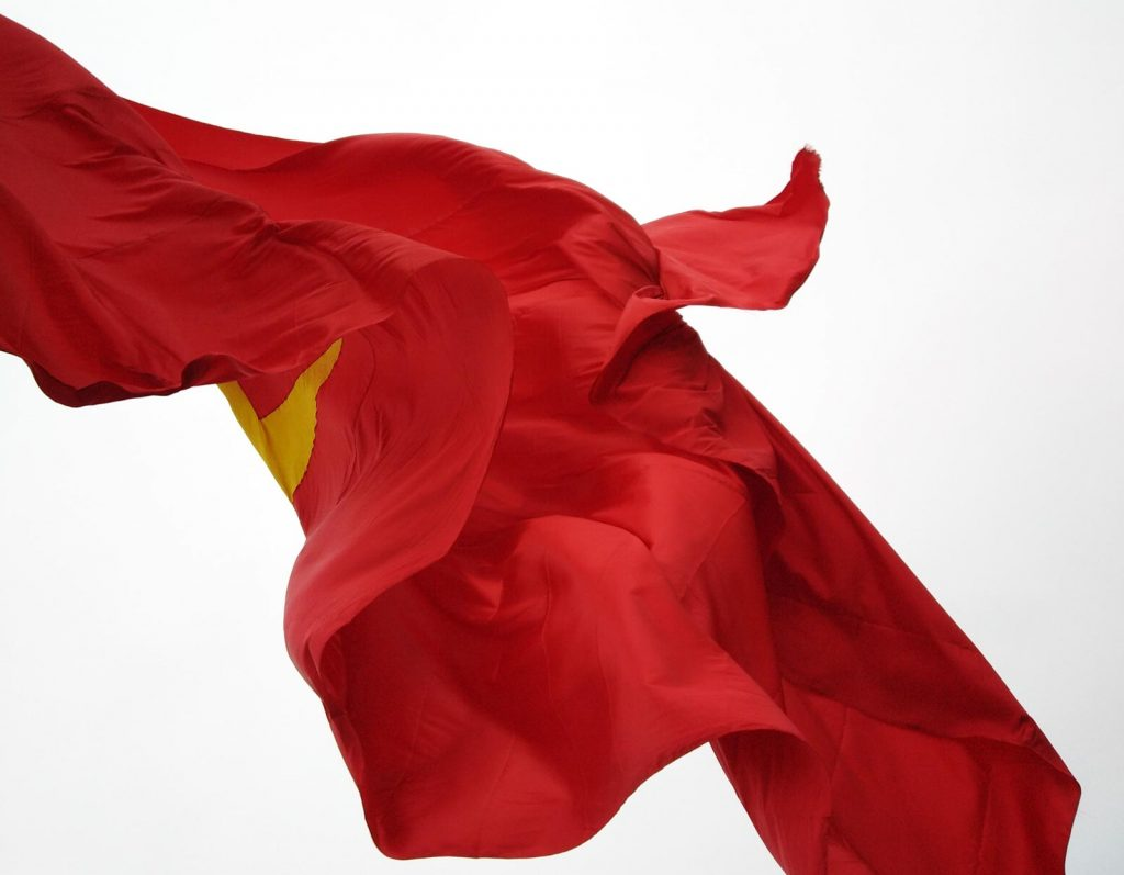 guide dong van vietnam lung cu flag
