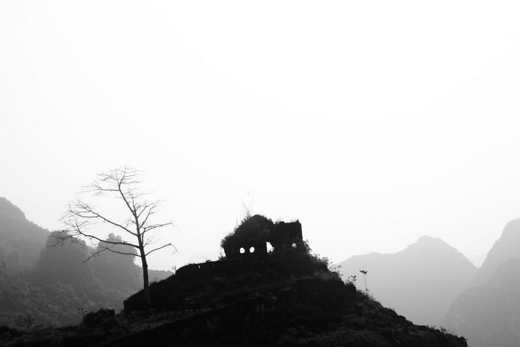 tips stay safe ha giang loop fog